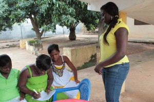 Miebi Ifie hosts a Global Mamas training session