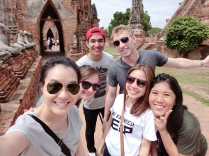 Julianne-Dunn(2nd left)and coworkers in Ayutthaya Thailand